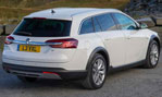 2014-Vauxhall-Insignia-Country-Tourer-country-view-1