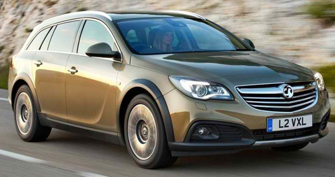 2014-Vauxhall-Insignia-Country-Tourer-in-gold-A