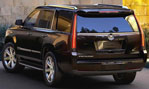 2015-Cadillac-Escalade-parked-at-home-3
