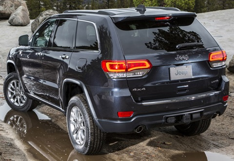 2014-Jeep-Grand-Cherokee--roughing-it C