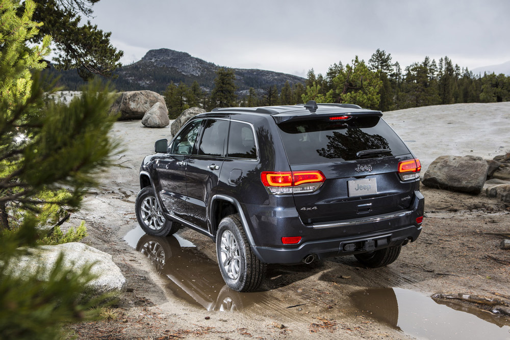 2014 jeep grand cherokee roughing it c. Black Bedroom Furniture Sets. Home Design Ideas