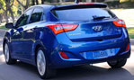 2014-Hyundai-Elantra-GT-down-the-corner-1