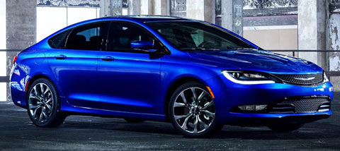 2015-Chrysler-200-caged-A