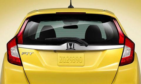 2015-Honda-Fit--rear-C