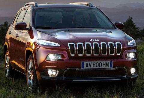 2014-Jeep-Cherokee-EU-Version-stalking-A