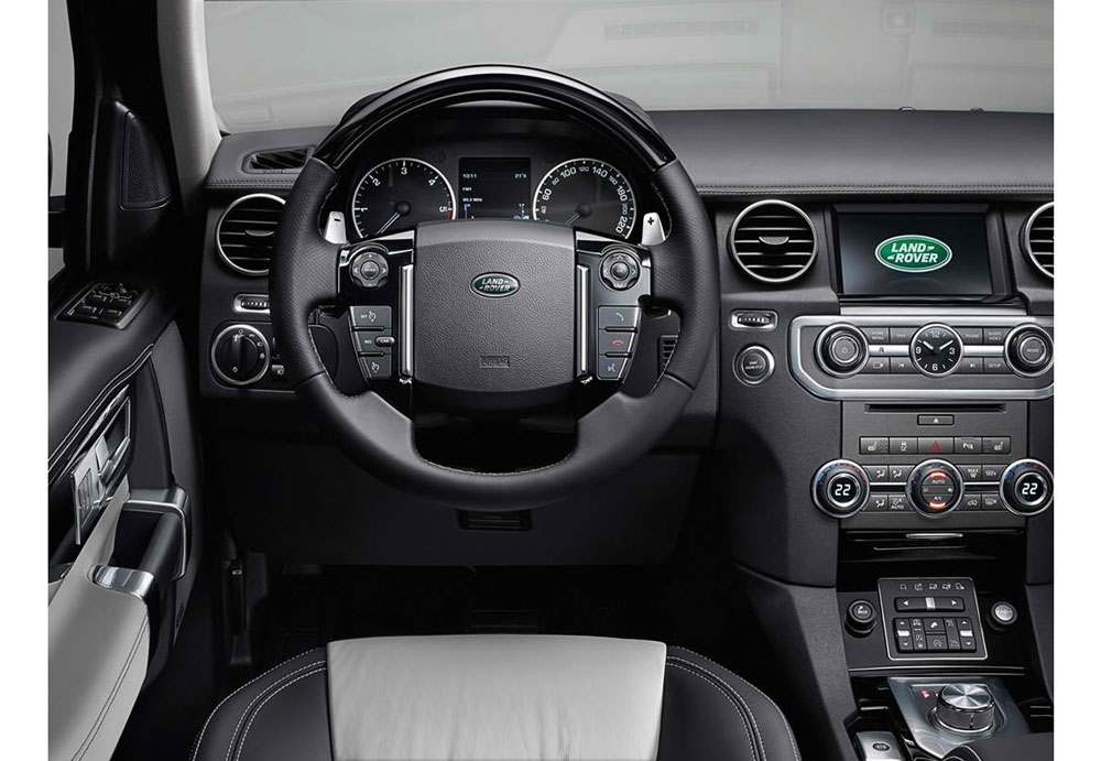 http://www.thesupercars.org/wp-content/uploads/2014/03/2014-Land-Rover-Discovery-XXV-Edition-cockpit.jpg