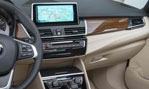 2015-BMW-2-Series-Active-Tourer-cockpit-3