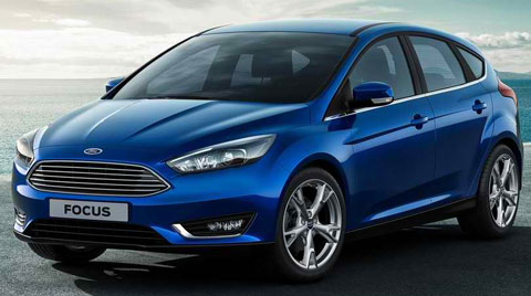 2015-Ford-Focus-by-the-water-A