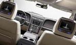 2015-Lincoln-Navigator-cockpit-1