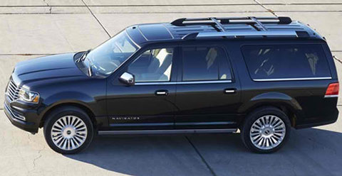2015-Lincoln-Navigator-in-two-B