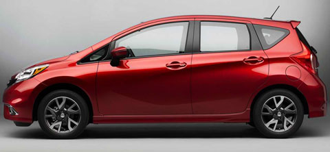 2015-Nissan-Versa-Note-SR-shadows-B