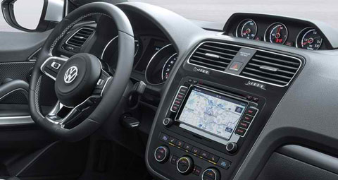 2015-Volkswagen-Scirocco-even-inside-C