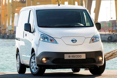 2015-Nissan-e-NV200-at-the-pier-A