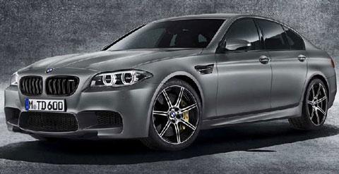 2014-BMW-M5-30-Jahre-M5-studio-A