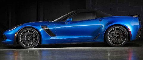 2015-Chevrolet-Corvette-Z06-Convertible-parked-top-up-B