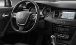 2015-Peugeot-508-cockpit-2