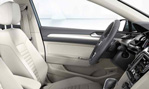 2015-Volkswagen-Passat-Variant-roomy-3